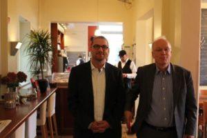 Dieter Sanlier begrüßt Matthias Bartke